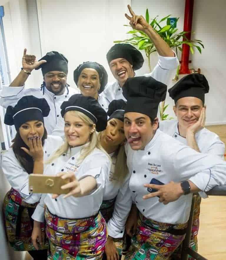 Elenco do Super Chef Celebridades se reuniu segunda, dia 3