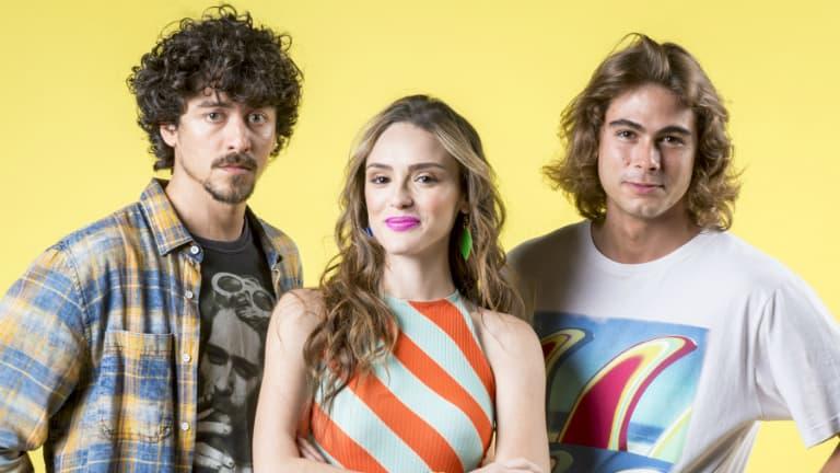 Jerônimo (Jesuíta Barbosa), Manuela (Isabelle Drummond) e João (Rafael Vitti)