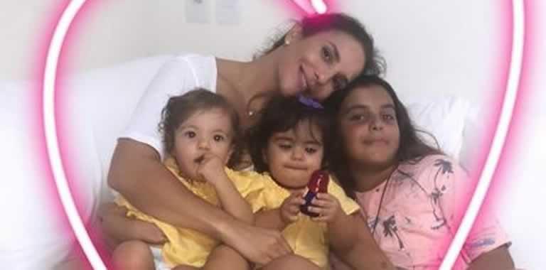 Ivete Sangalo com Marcelinho e as gêmeas Marina e Helena