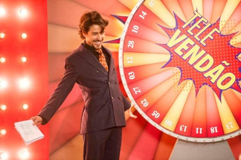 Jerônimo choca ao se apresentar como dono do canal de Televendas