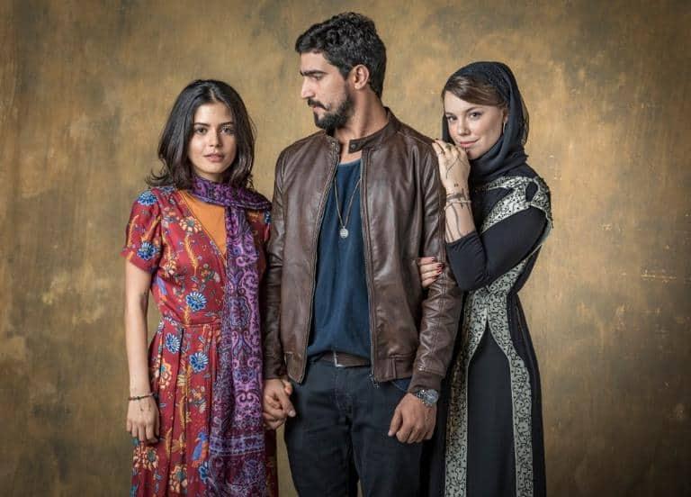 Laila expulsa Jamil de casa e Dalila se aproveita da situação