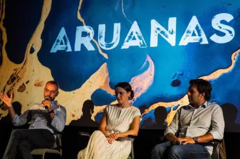 Marcos Nisti, Debora Falabella e Pedro Neto participam de debate no lançamento de 'Aruanas' em Portugal