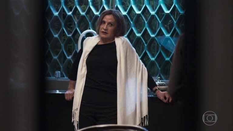 Linda (Rosamaria Murtinho): alerta sobre Josiane!