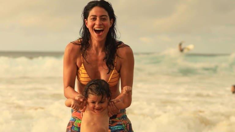 Carol Castro comemora dois anos da filha