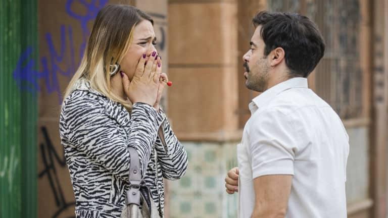 Britney ( Glamour Garcia ) e Abel ( Pedro Carvalho )