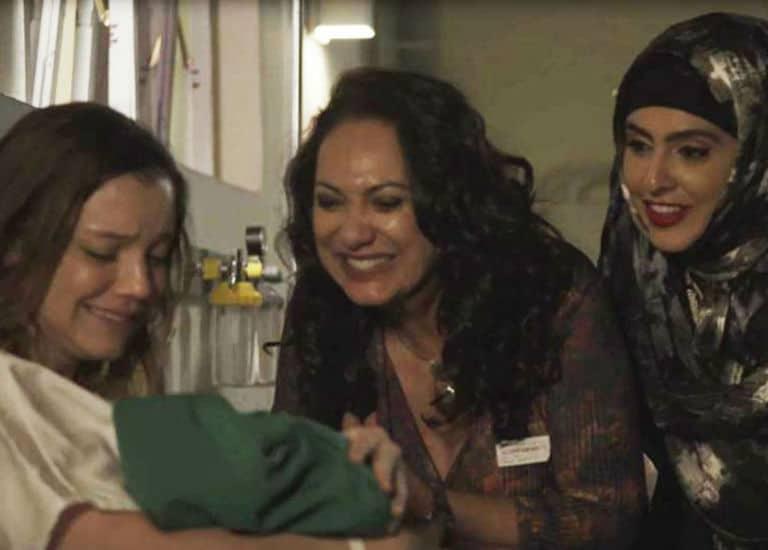 Dalila com a filha Soraia, Rania e Fairouz