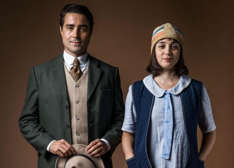 Almeida (Ricardo Pereira) e Clotilde (Simone Spoladore)