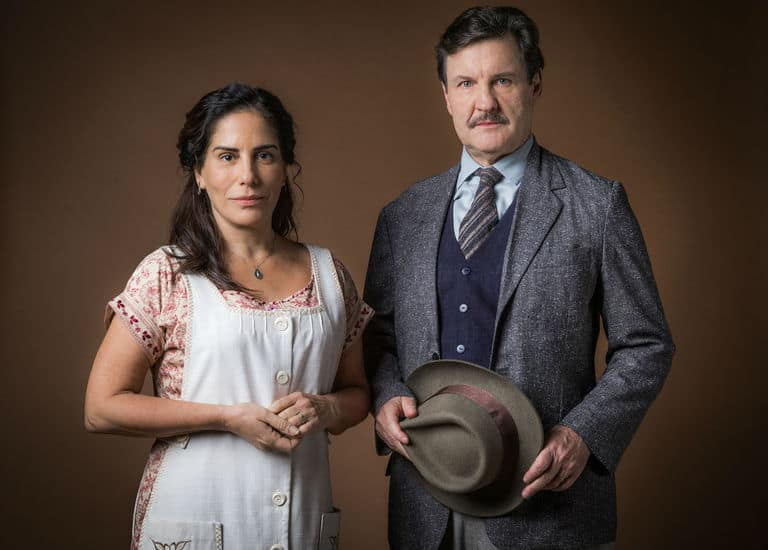 Júlio (Antonio Calloni) e Lola (Gloria Pires)