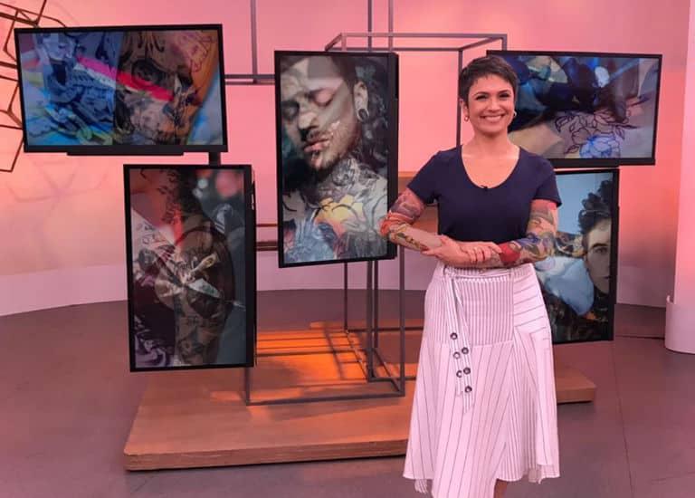 Sandra Annenberg na matéria sobre tatuagem