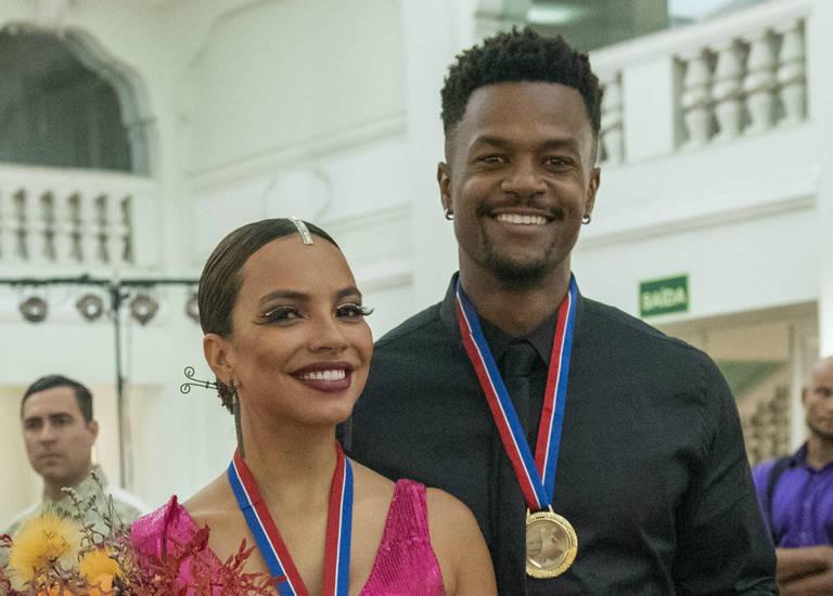 Francisca (Gabriela Moreyra) e Ramon (David Junior)