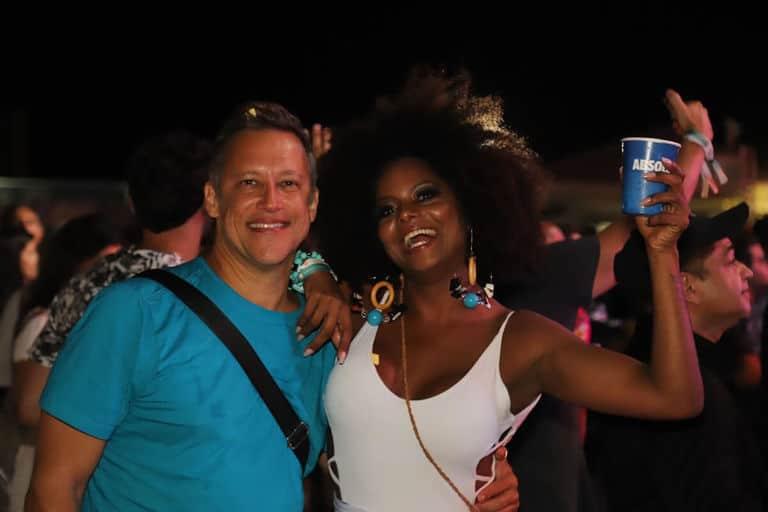 Adriana Bombom e o noivo, Adrien Cunha