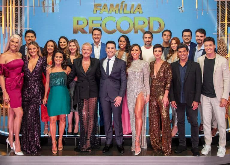 'Família Record' faz a festa de fim de ano