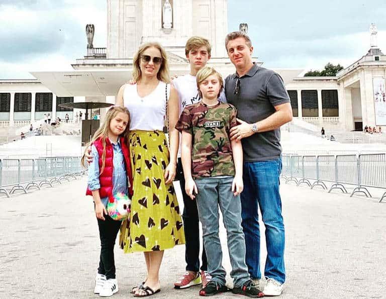Angelica, Luciano Huck e os filhos