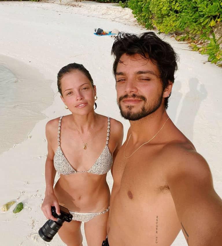 Agatha Moreira e Rodrigo Simas nas Maldivas
