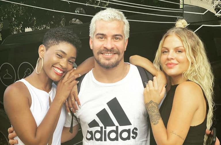 Ryan (Thiago Martins), Marina (Erika Januza) e Mel (Luisa Sonza)