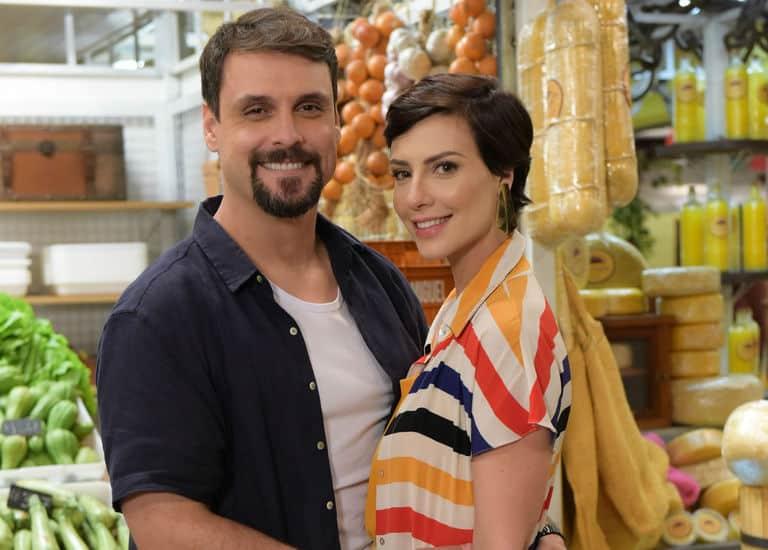 Antônio (Felipe Cunha) e Sophia (Camila Rodrigues)