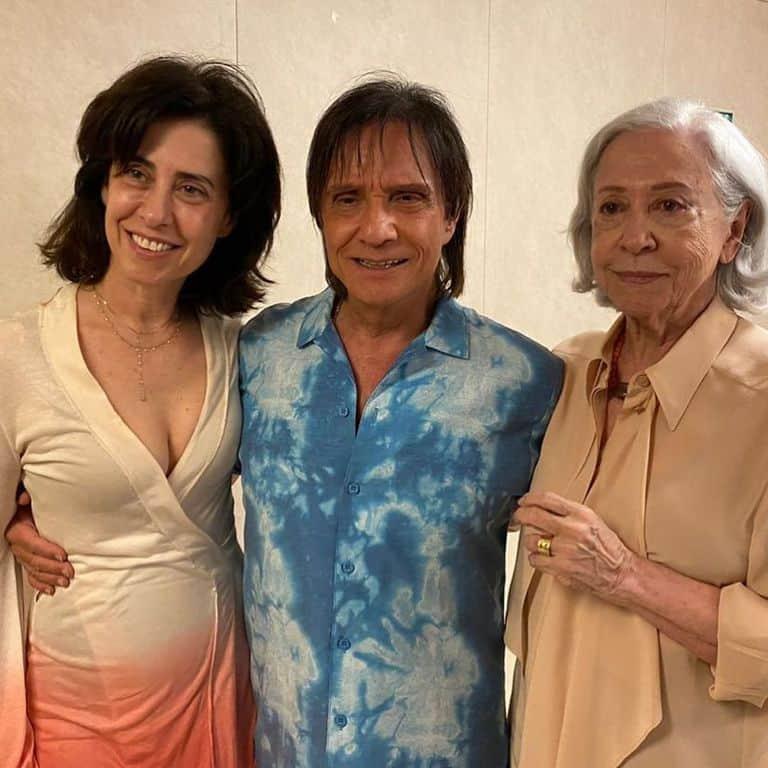Robero Carlos recebe Fernanda Montenegro e Fernanda Torres