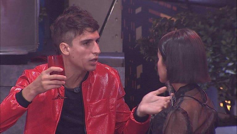 Felipe e Manu conversam sobre jogo