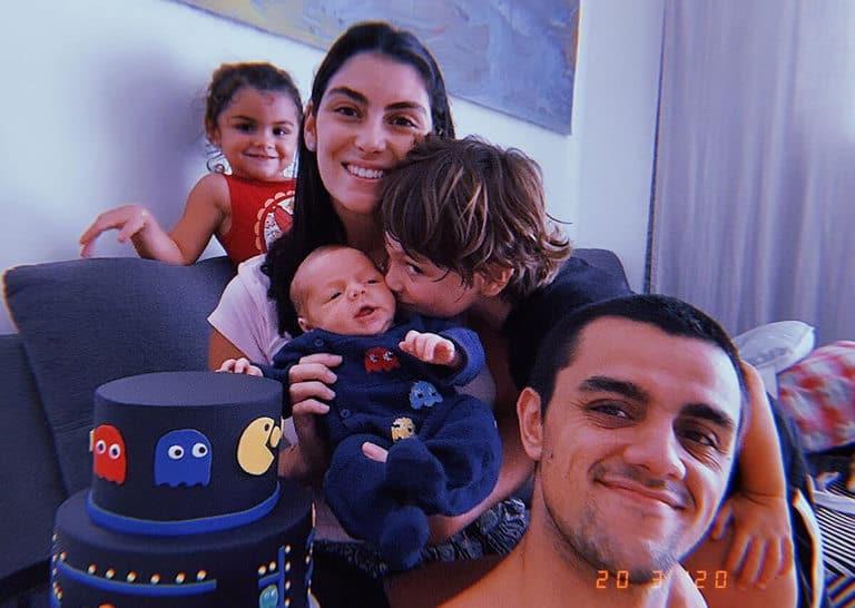 Família comemora mesversário de Vicente