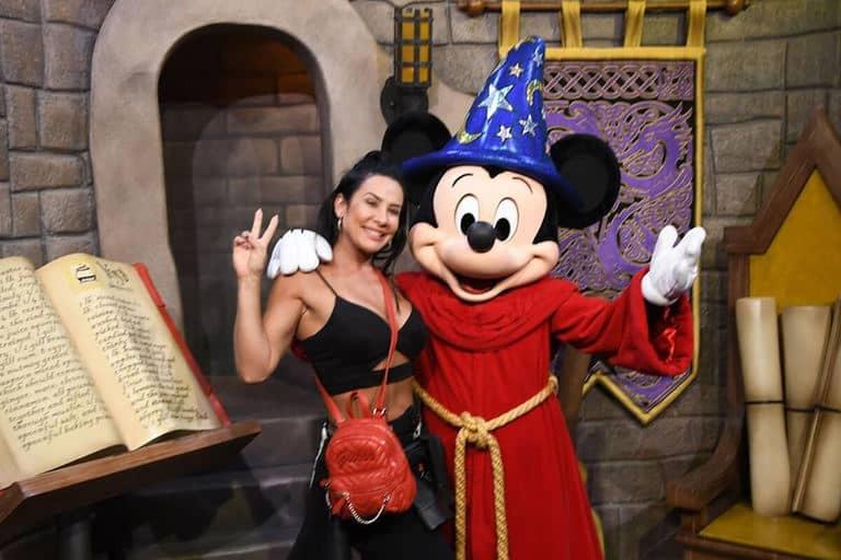 Scheila Carvalho e o Mickey