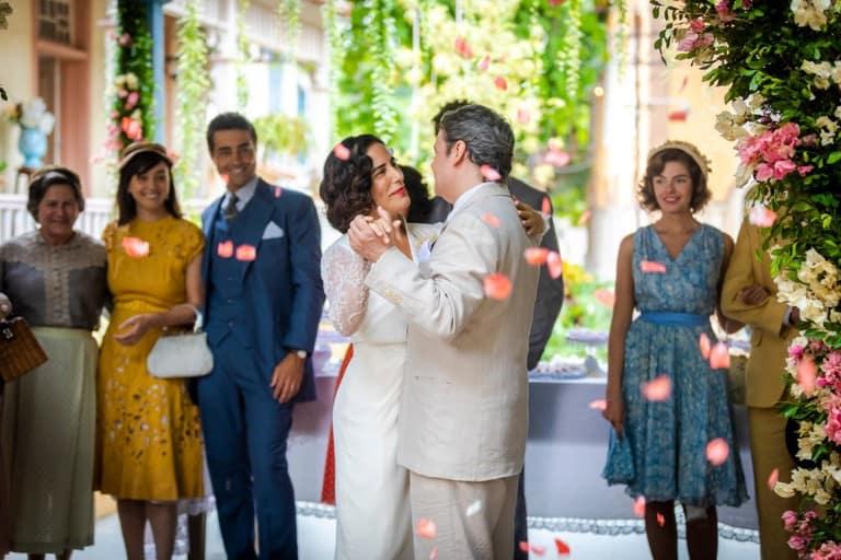 Lola e Afonso têm final feliz e se casam