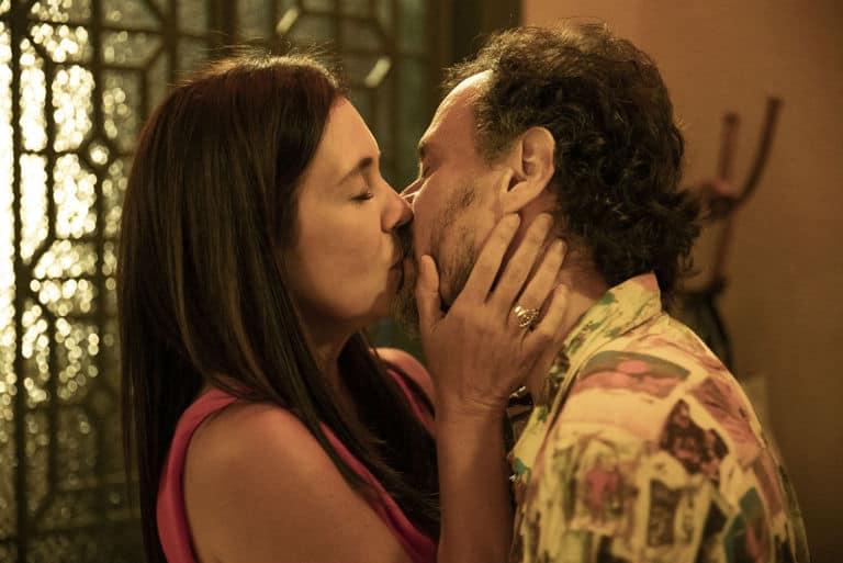 Durval (Enrique Diaz) e Thelma (Adriana Esteves)