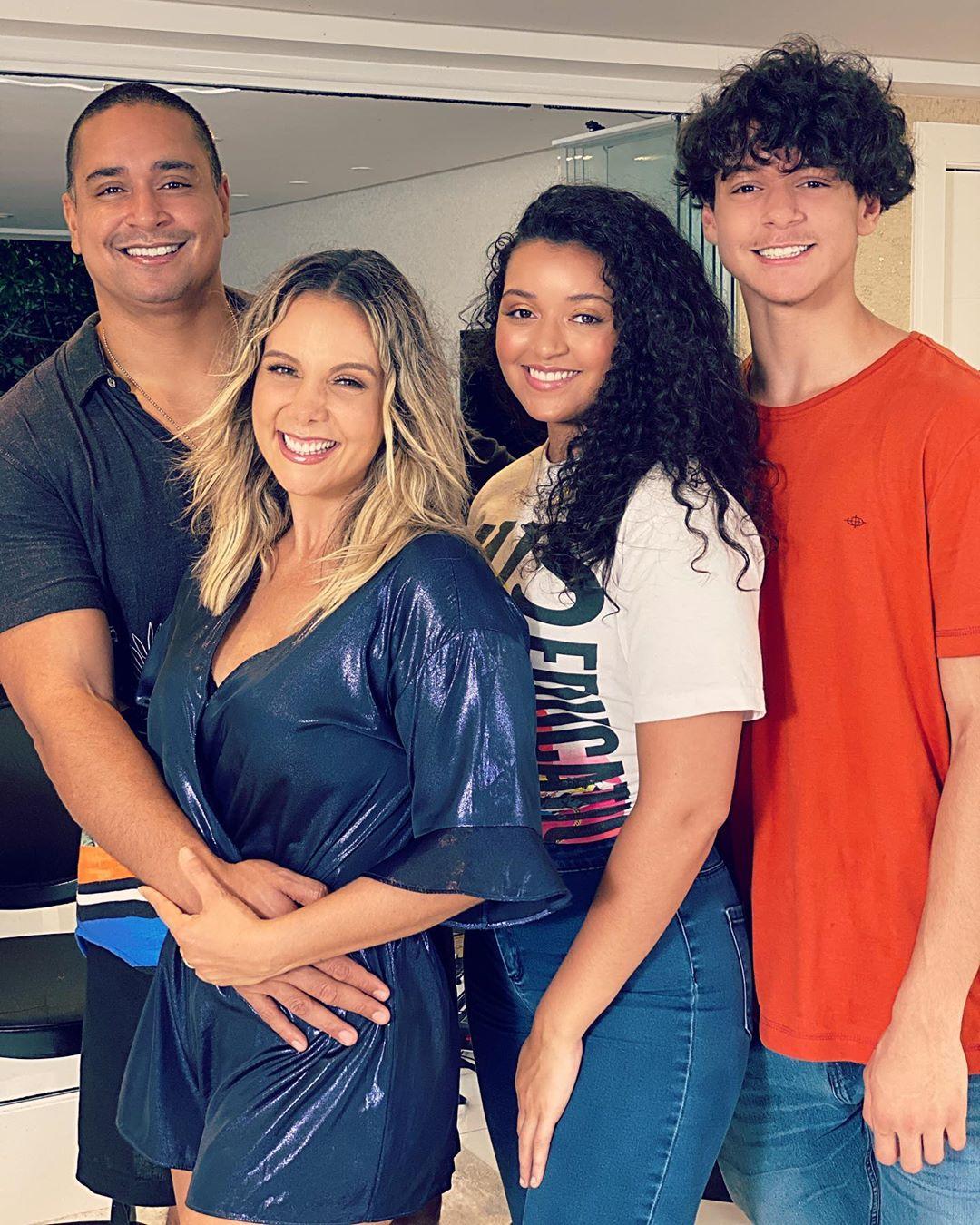 Xanddy e a família