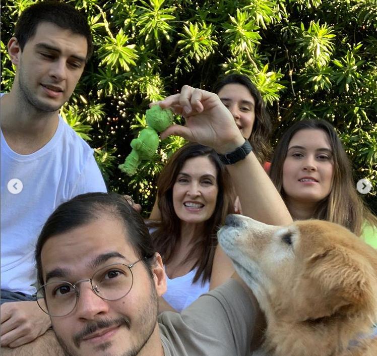 Fátima Bernardes com a família