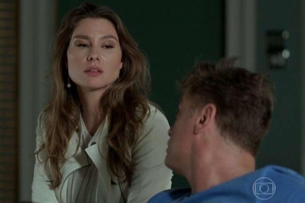 Natasha e Arthur em Totalmente Demais