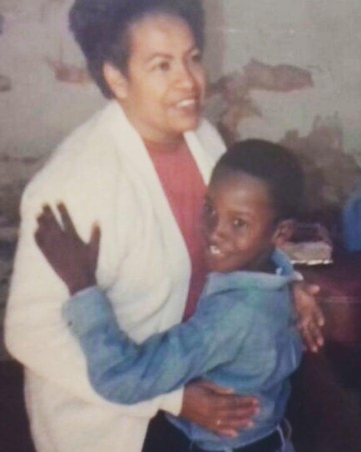 Thiaguinho e a avó
