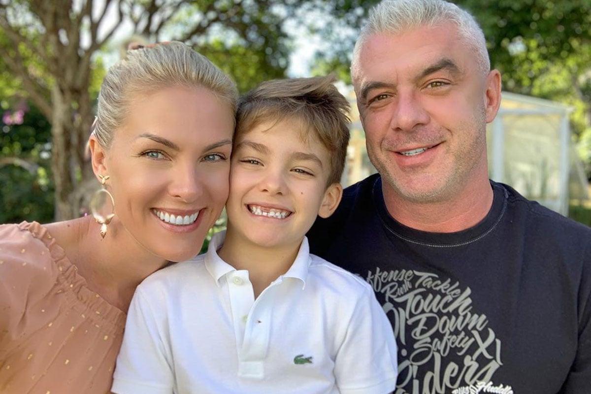 Ana Hickmann com o filho e o marido