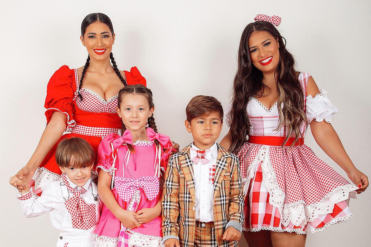 Simone e Simaria com os filhos