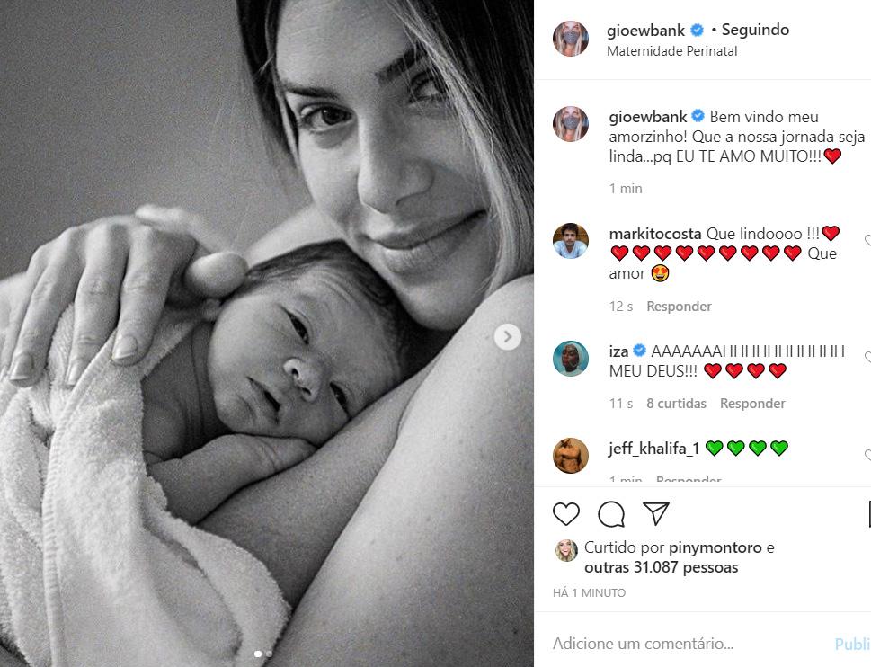 Giovanna Ewbank e Bruno Gagliasso apresentam o filho