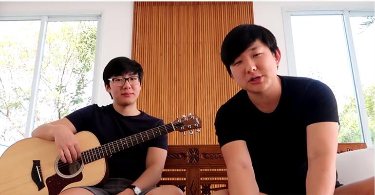 Pyong Lee e o irmão