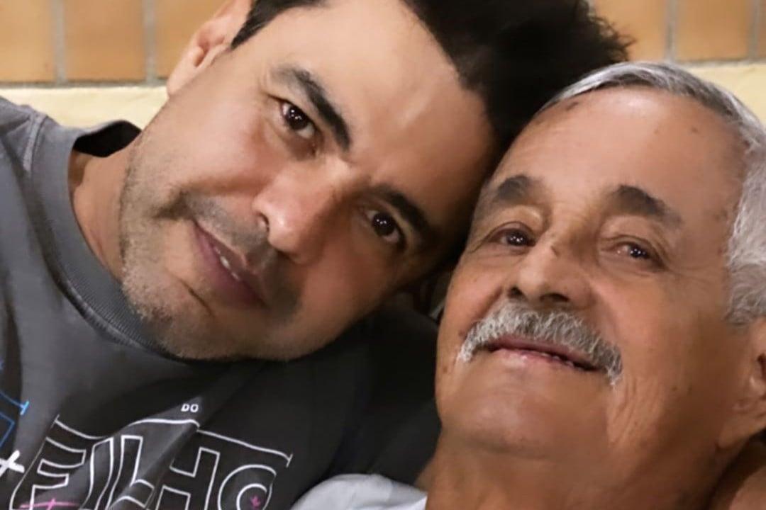 Zezé Di Camargo surge em foto com os pais - Crédito: Reprodução / Instagram