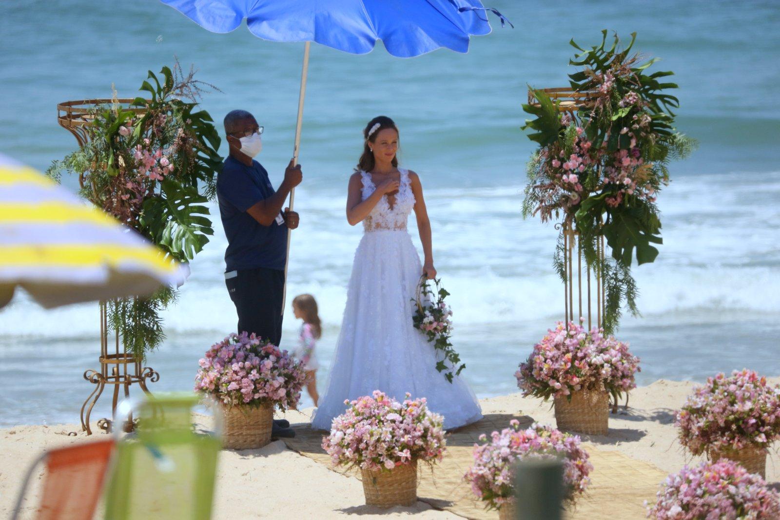 Mariana Ximenes e João Baldasserini gravam cena para Haja Coração