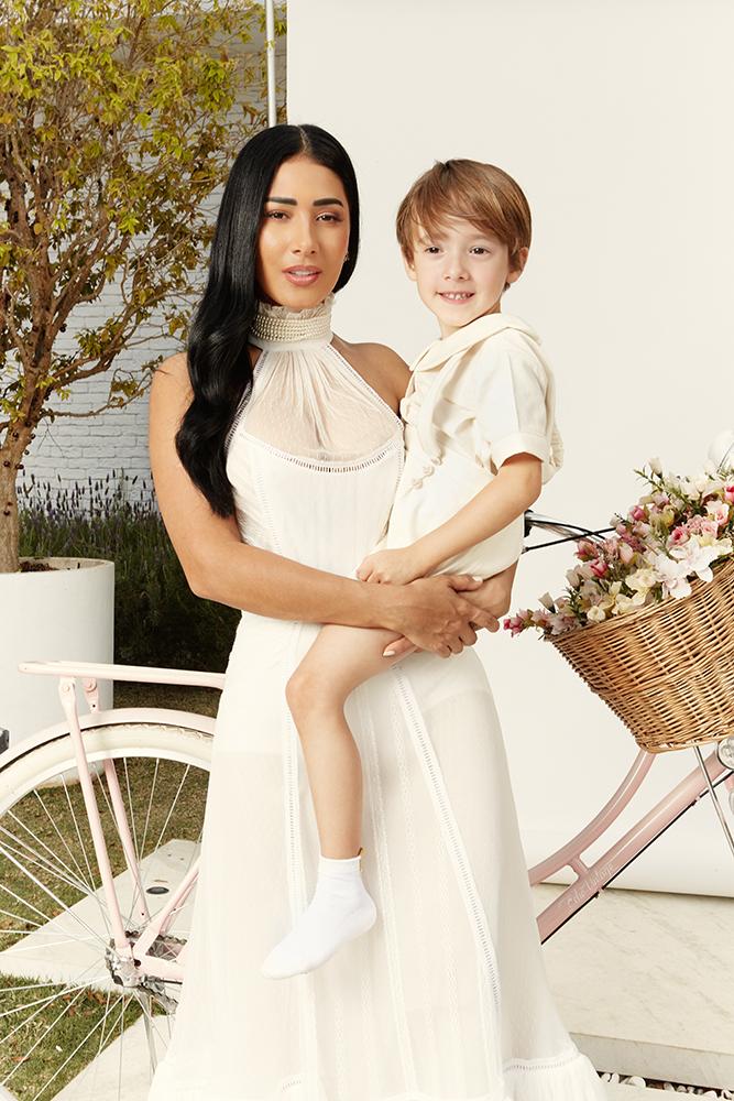 Simaria faz ensaio fotográfico com os filhos