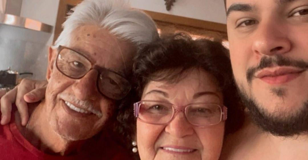 Cristiano e seus pais - reprodução - instagram