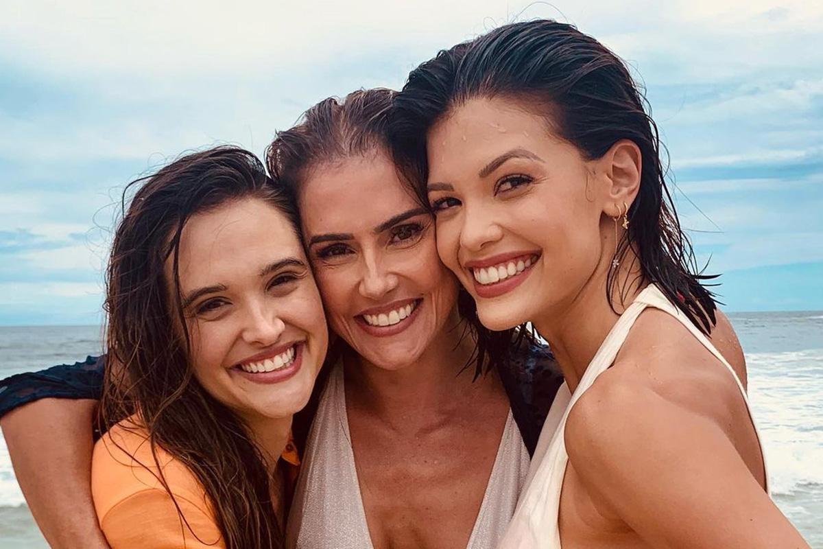 Juliana Paiva, Deborah Secco e Vitória Strada