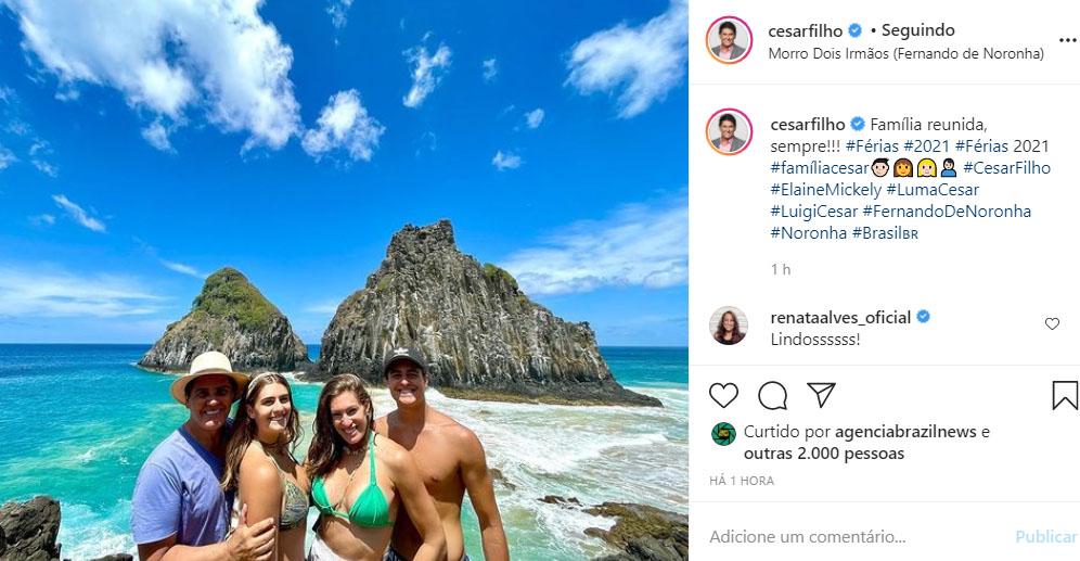 Cesar Filho mostra fotos da família