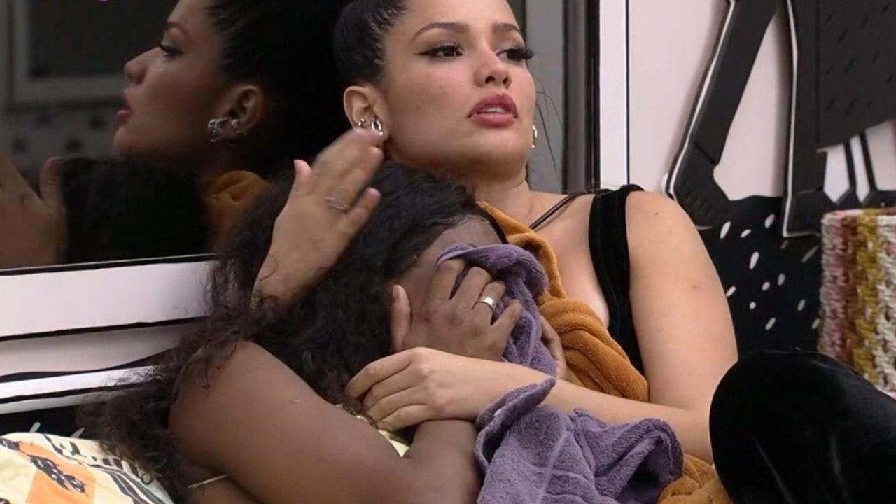 Camilla de Lucas chora após comentário de Tiago Leifert