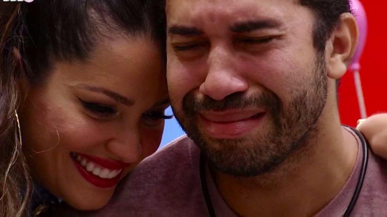 Gilberto chora e agradece apoio de Juliette no jogo