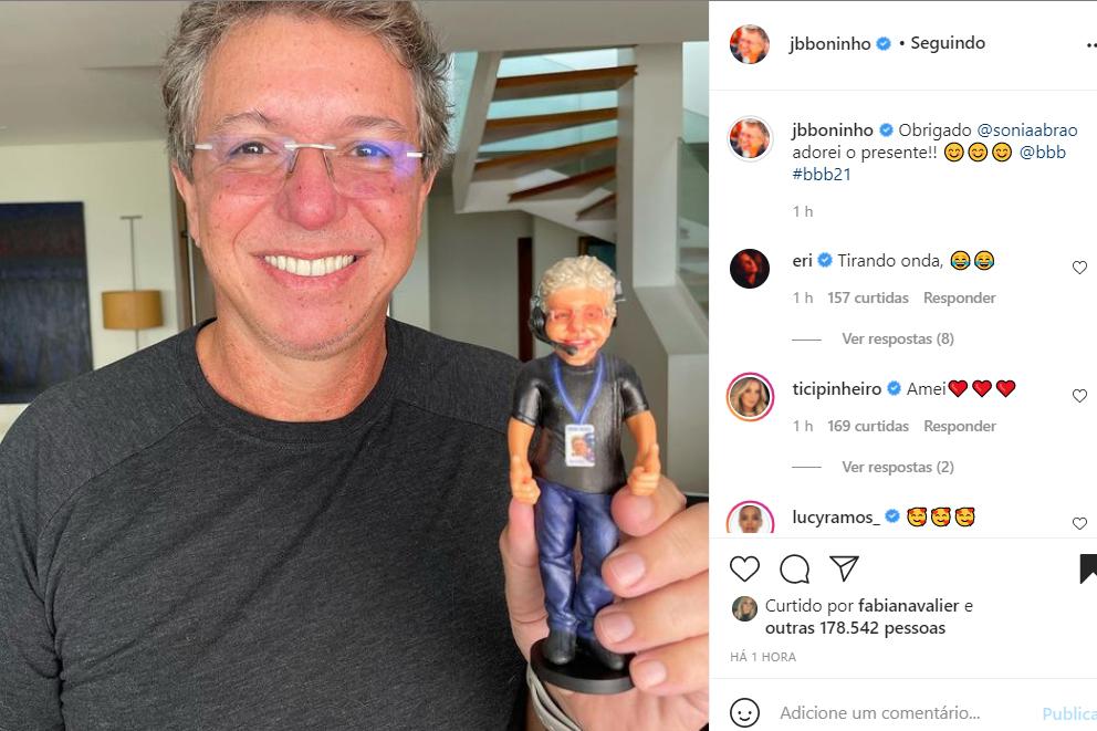 Boninho ganha presente de Sonia Abrão - Crédito: Reprodução / Instagram