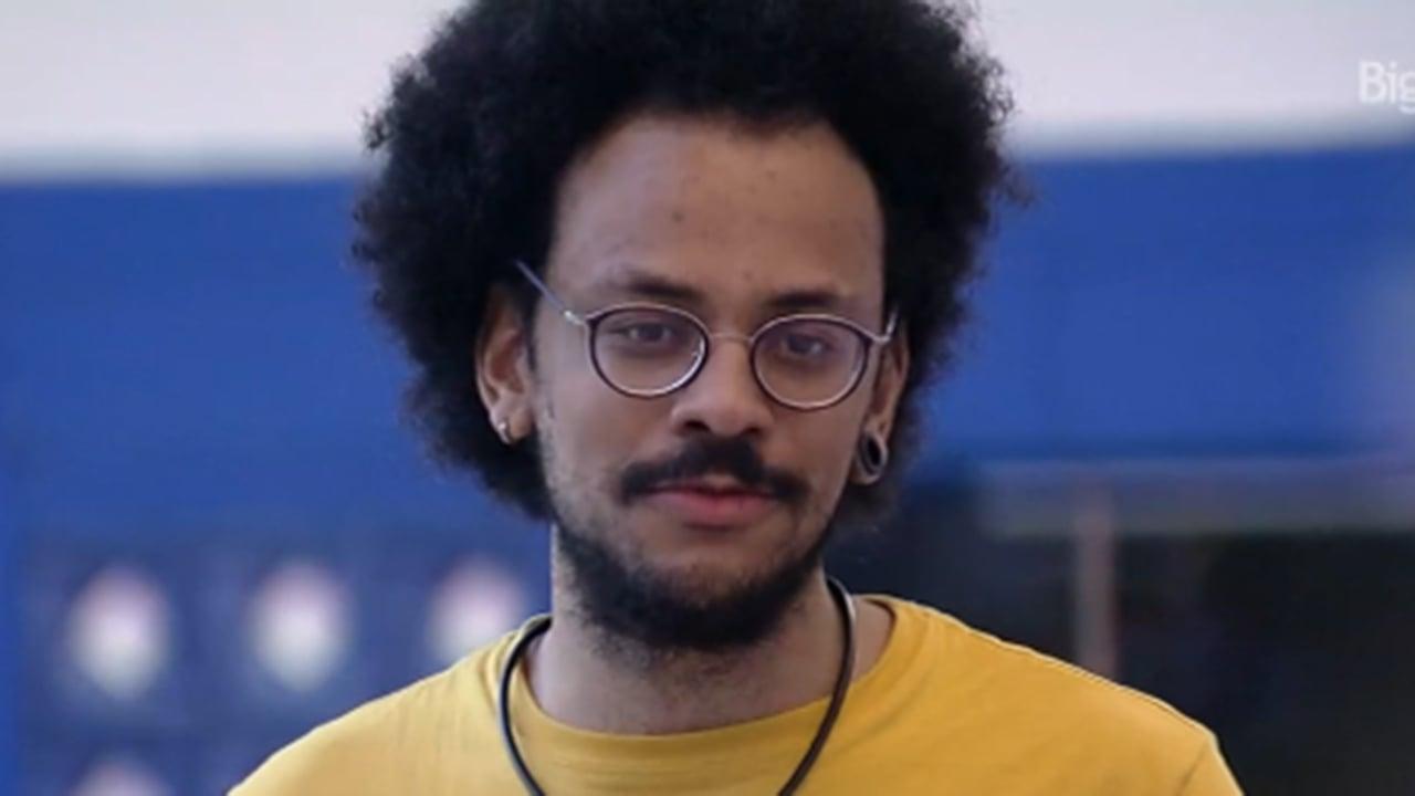 João fala sobre o salário de professor no BBB21