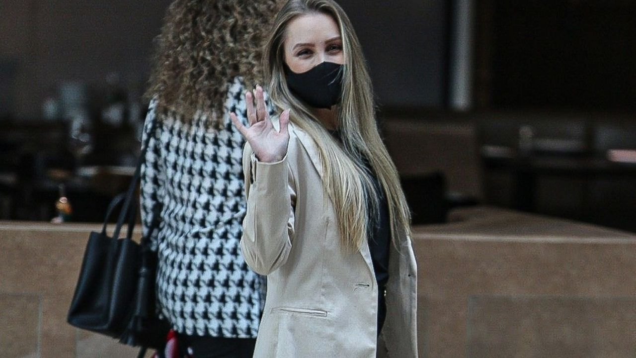Ex-BBB Carla Diaz aposta em bolsa de grife francesa. Foto: Edson Aipim/Agnews