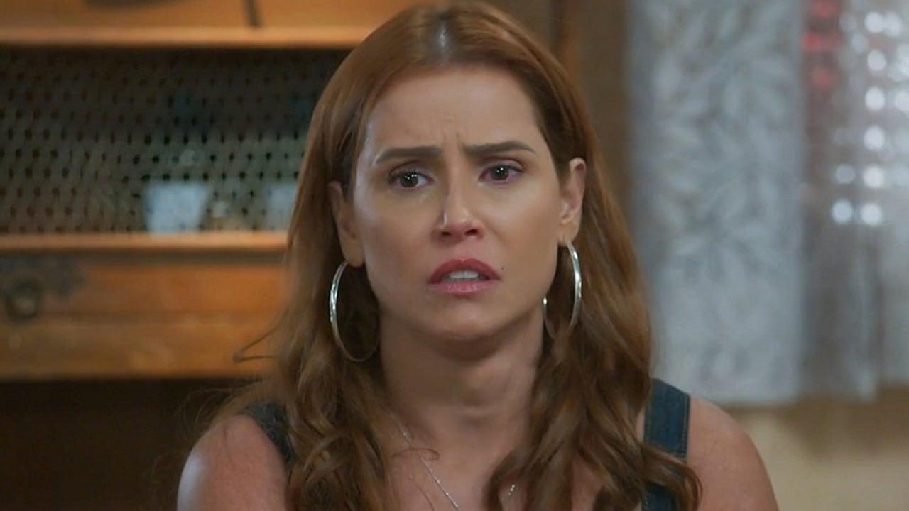 Alexia (Deborah Secco) em Salve-se Quem Puder - Crédito: Reprodução / Globo
