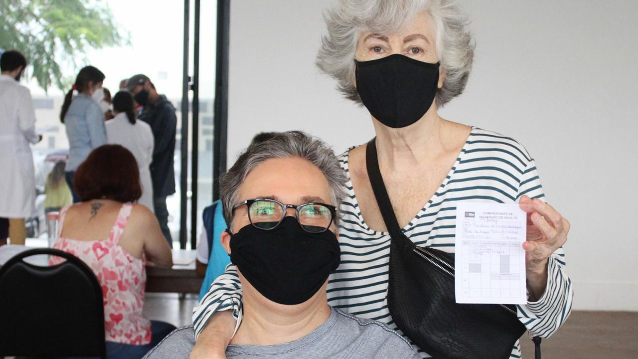 Flávio Silvino e a mãe, Diva Plácido - Crédito: Adão / AgNews