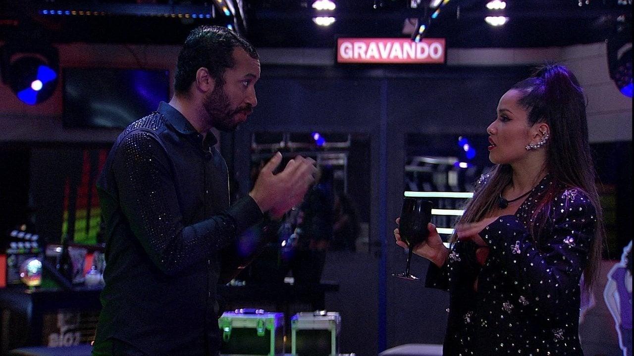 Juliette desabafa com Gilberto durante festa do BBB21