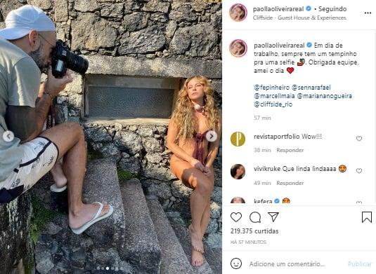 De biquíni, Paolla Oliveira exibe boa forma em ensaio fotográfico