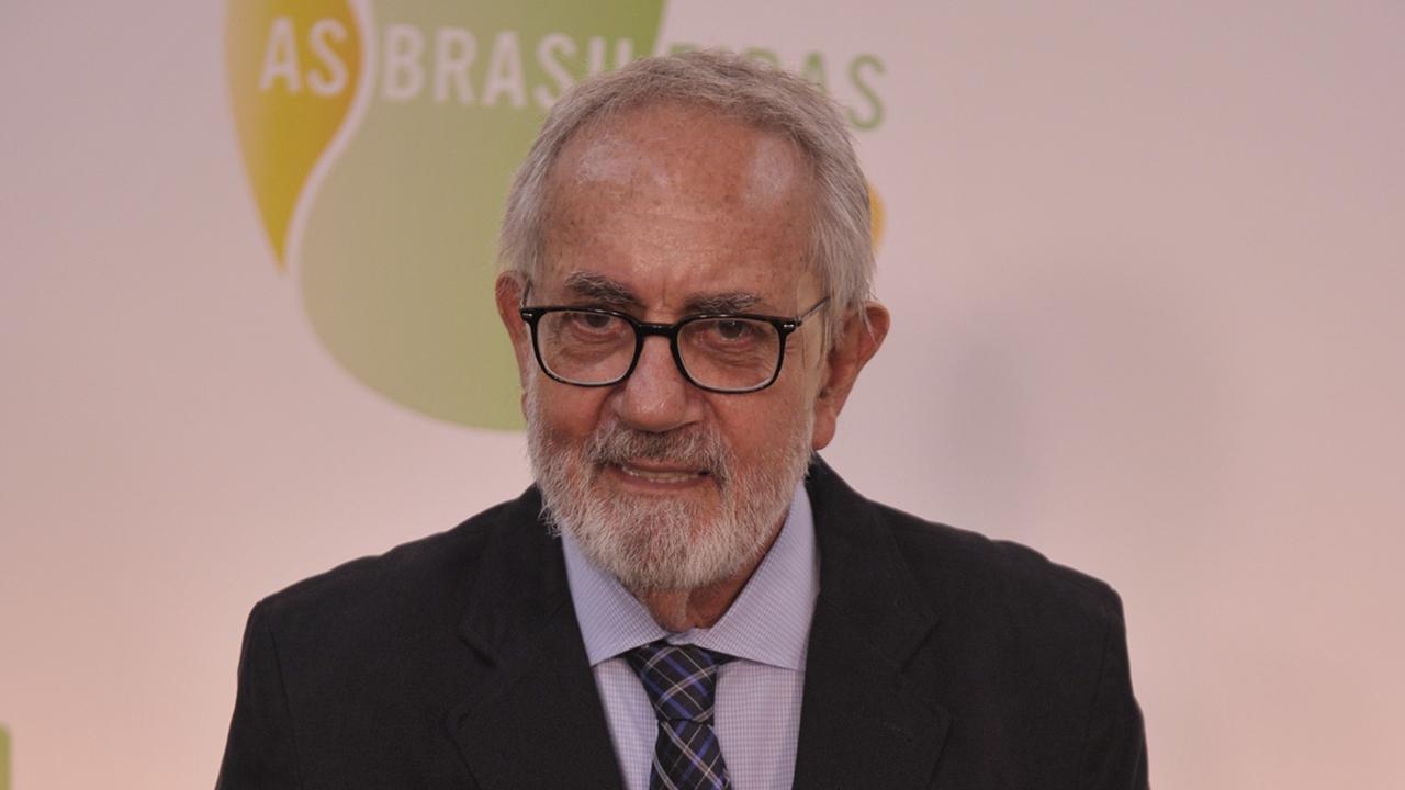 Paulo José na época do seriado As Brasileiras - Crédito: TV Globo / Renato Rocha Miranda